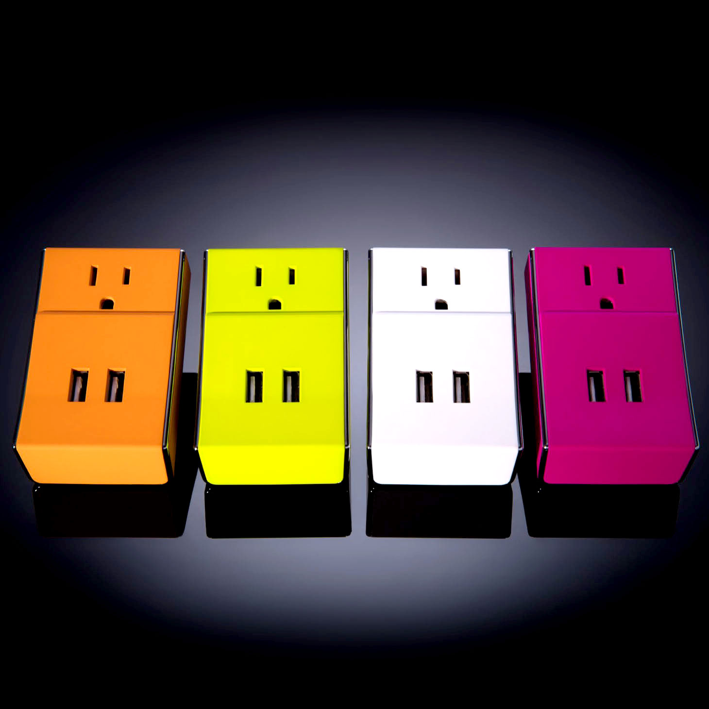 WALLY - 2 USB Ports + Standard Outlet